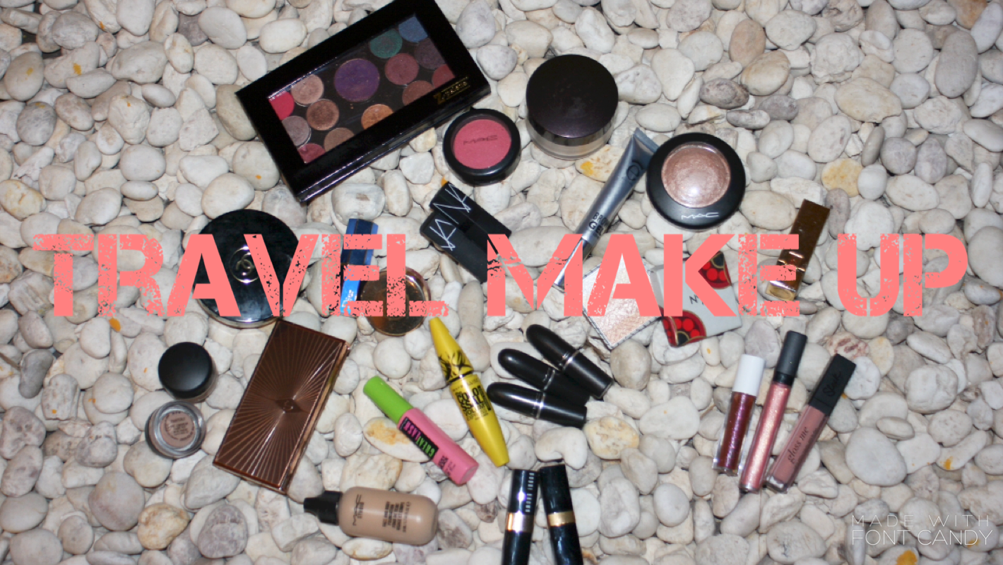 What's in my Travel Makeup bag ?!